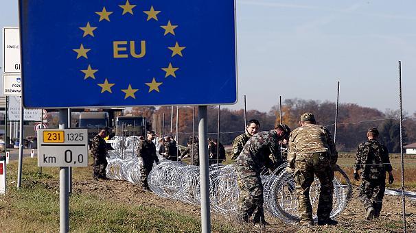 Schengen, frontiere chiuse per 2 anni