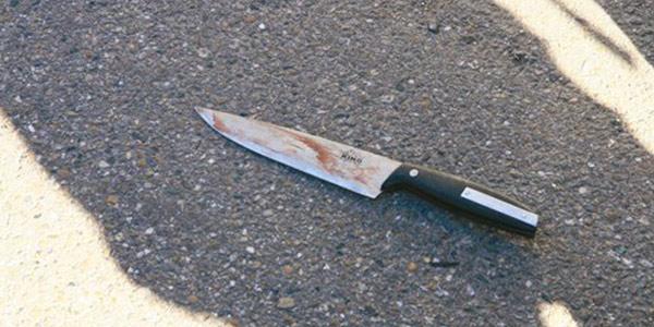 Operaio uccide a coltellate l'amante della moglie