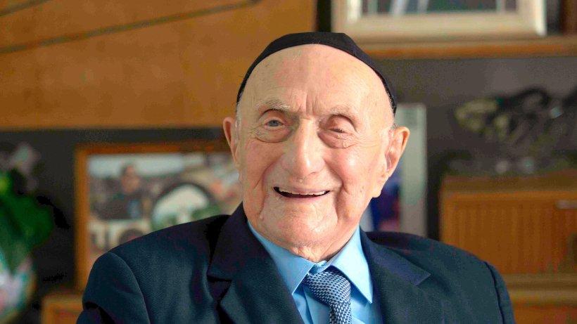 Sopravvissuto ad Auschwitz, Israel è il più vecchio del mondo
