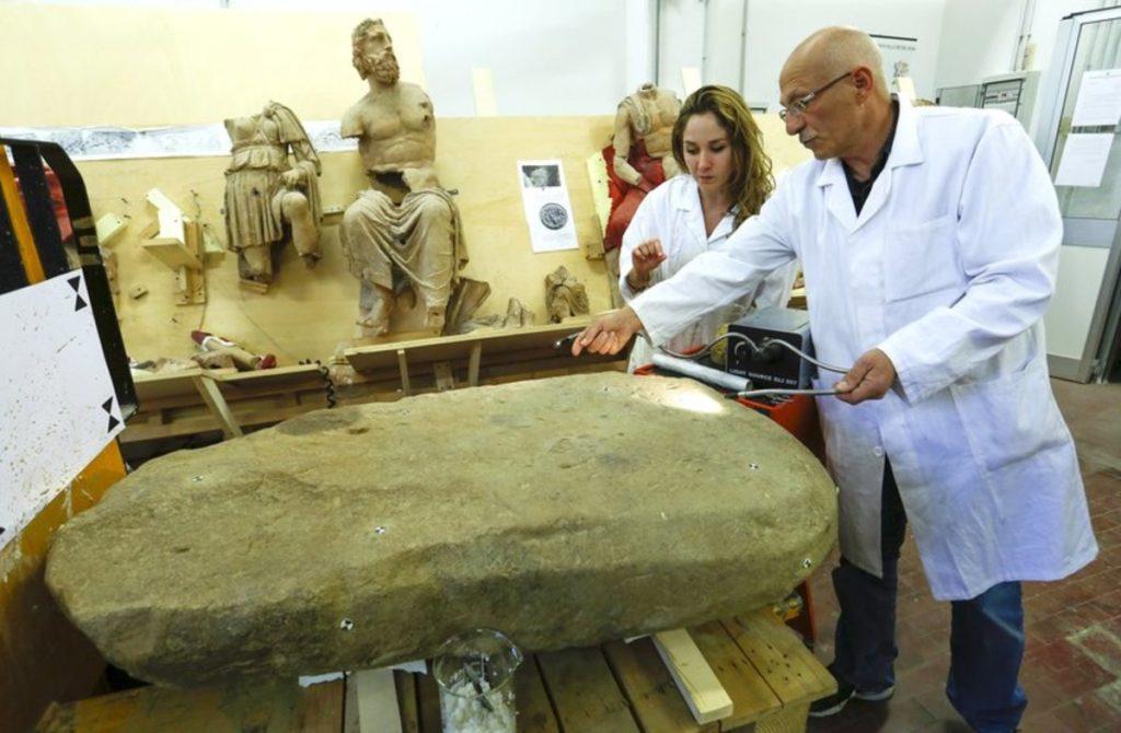 Stele etrusca