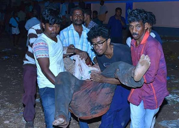 India, incendio al tempio di Kerala