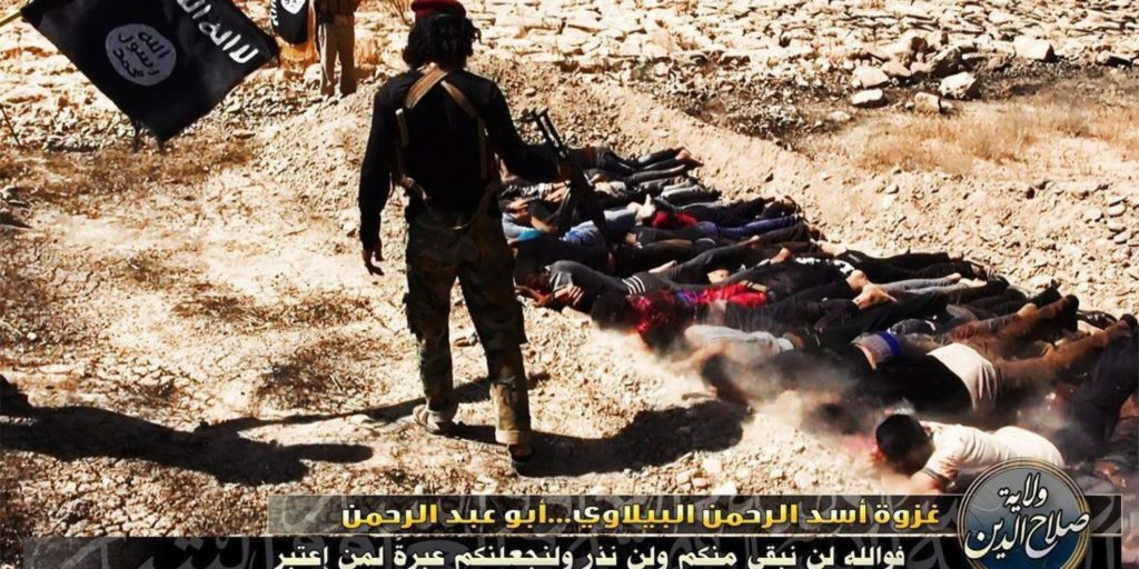 Isis, trovate 50 fosse comuni
