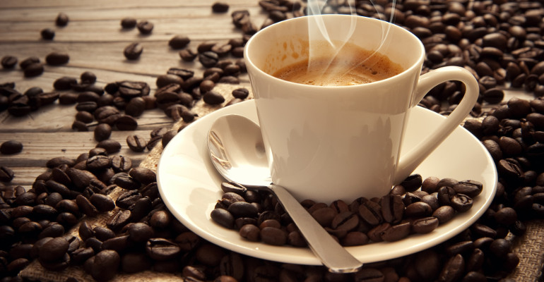 Caffè: secondo l'OMS, la bevanda non è cancerogena