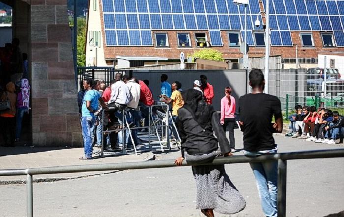 Valigia esplode vicino al centro per rifugiati