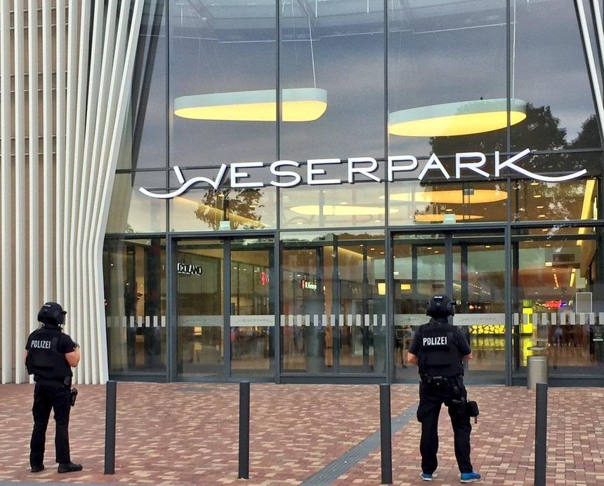 Scappa da un ospedale psichiatrico e minaccia di far esplodere centro commerciale