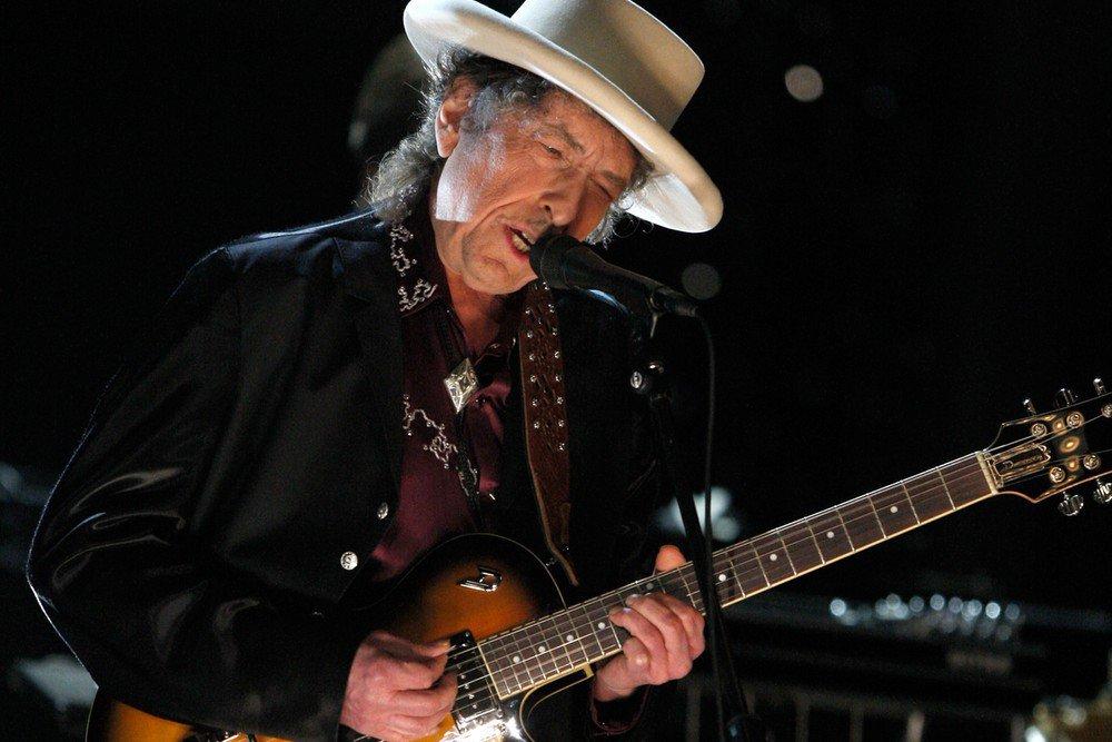 Bob Dylan ha vinto il Nobel per la Letteratura, ecco le critiche