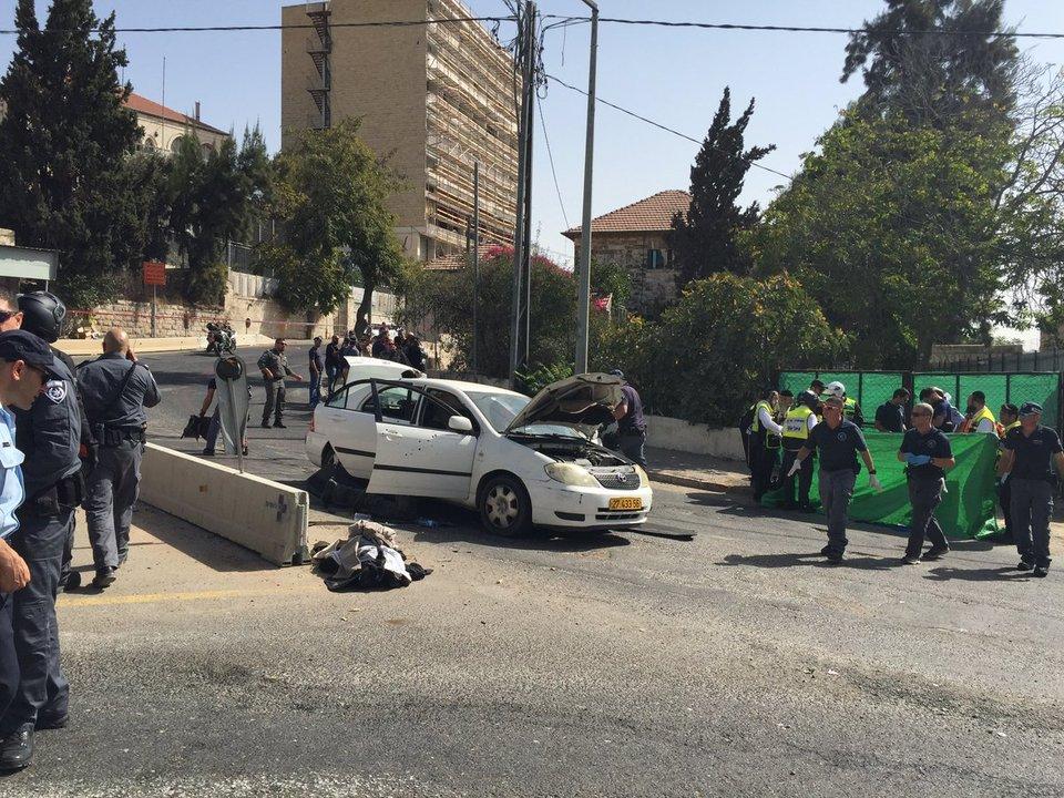"""Gerusalemme, sparatoria alla fermata tram. """"L'attentatore è stato ucciso"""""""