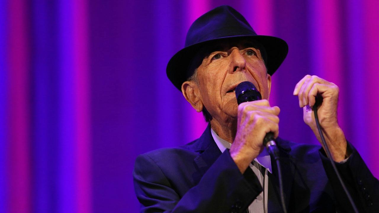 Il cantautore Leonard Cohen è morto a 82 anni