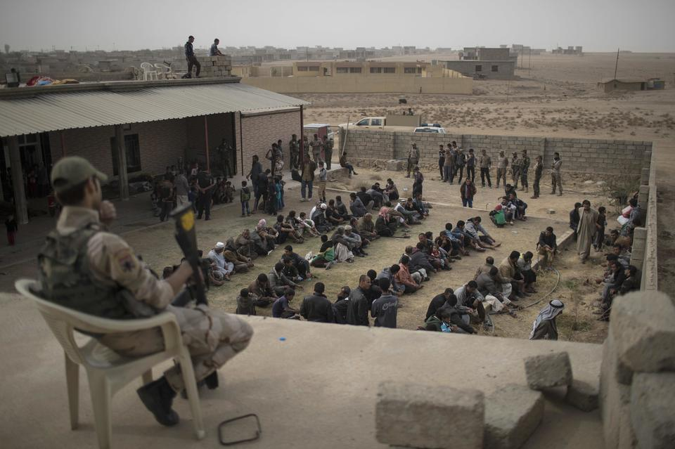 Mosul, esercito iracheno entra in città