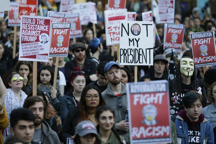 """""""Not my President"""", ecco le proteste contro Trump"""