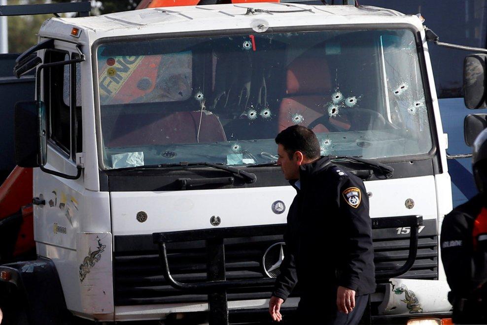 Camion contro gruppo di soldati a Gerusalemme: 4 vittime