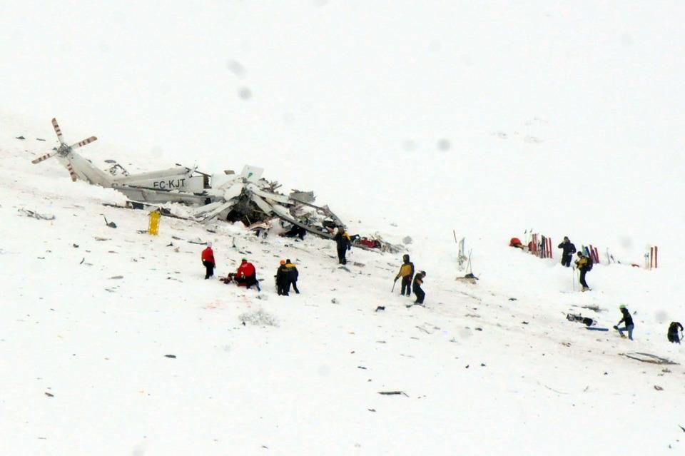 Elicottero del 118 si schianta sul Gran Sasso: 6 vittime