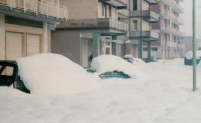 """Famiglia isolata dalla neve: """"Siamo tornati al Medioevo"""""""