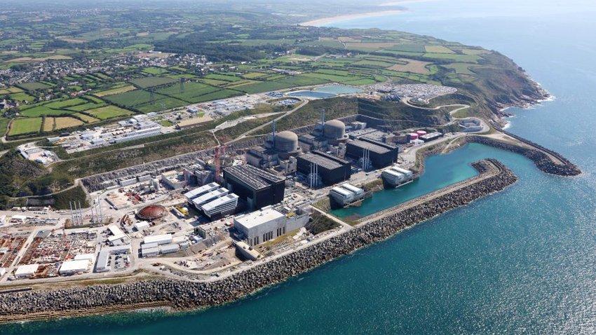 Esplosione nella centrale nucleare di Flamanville