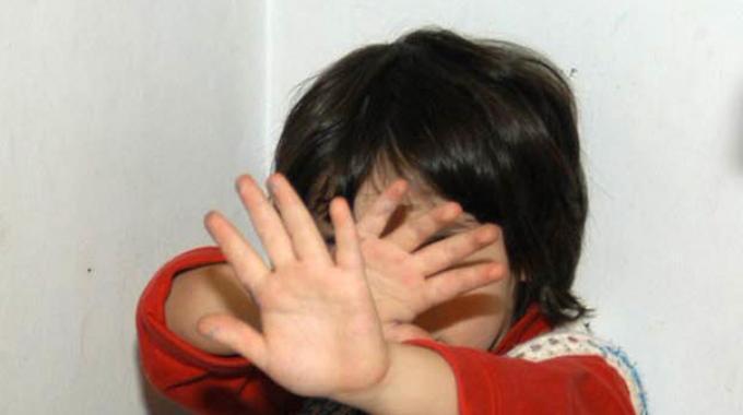 """Bimba di 4 anni uccisa dalla madre: """"Non voleva lavarsi i denti"""""""
