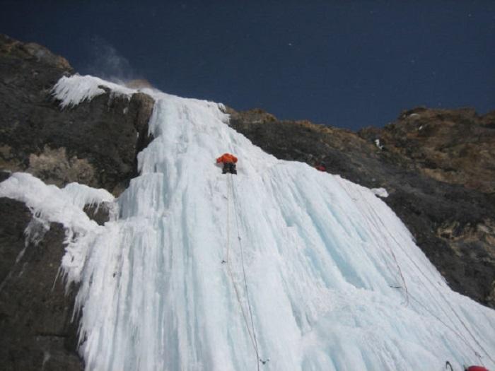 Crolla cascata di ghiaccio: 4 vittime
