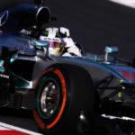 Lewis Hamilton e i motori V12