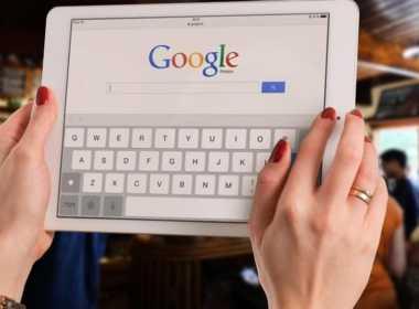 Sanità, curarsi con Google fa male