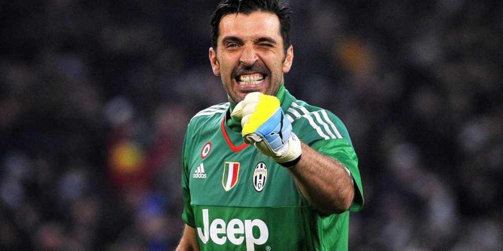 Gigi Buffon rimanda l'addio al calcio?