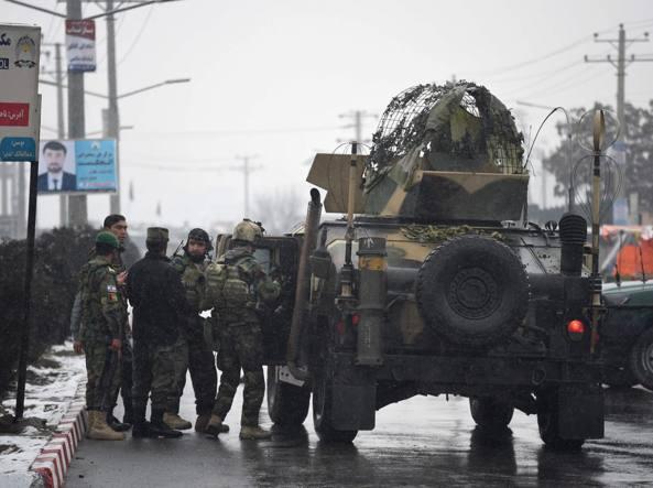 Kabul, militari nella zona dell'attentato