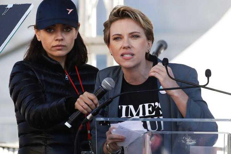 Scarlett Johannson sgrida James Franco, molestie