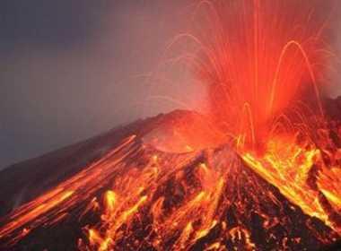 Vulcano torna in attività in Giappone