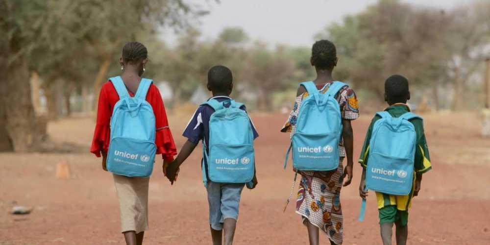 Unicef, bambini vanno a scuola