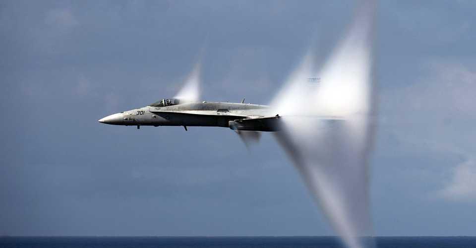 Esplosioni Lombardia, Jet militari