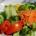 Coppia genovese trova topo nell'insalata