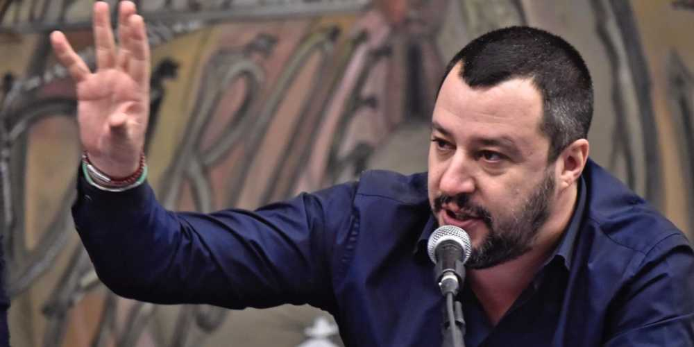 Salvini: divieto di sbarco a due Ong olandesi