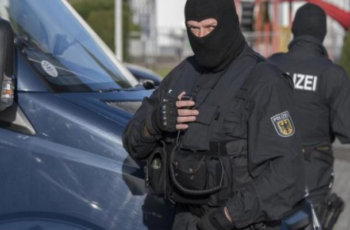 Germania, iraniano accoltella passeggeri