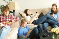 Giovani: abuso di smartphone aumenta rischio ADHD.