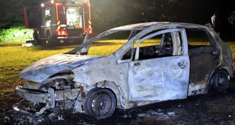 Ravenna, auto in fiamme