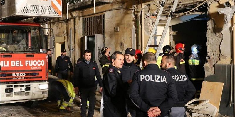 Napoli, esplosione