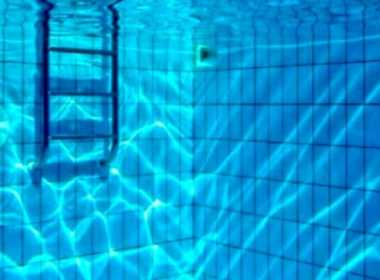 Orosei, bimbo annega in piscina