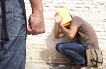 Palermo, 13enne autistico picchiato