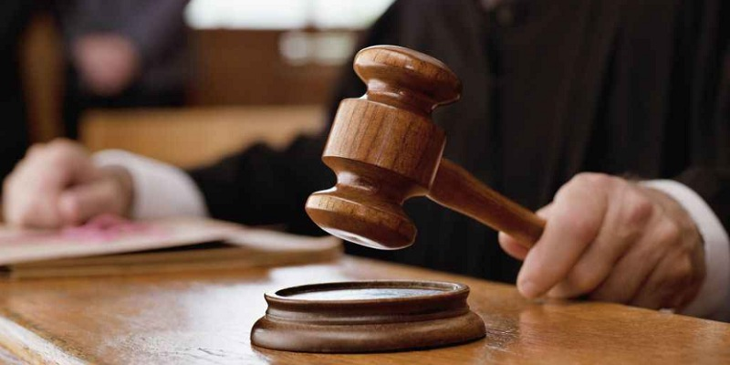 Firenze, condannato a 13 anni per aver venduto la figlia