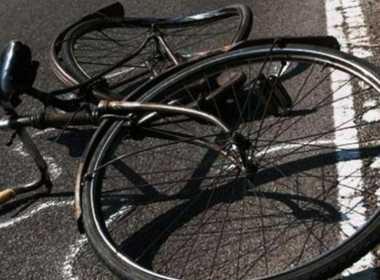 Giugliano, 24enne investe tre ciclisti