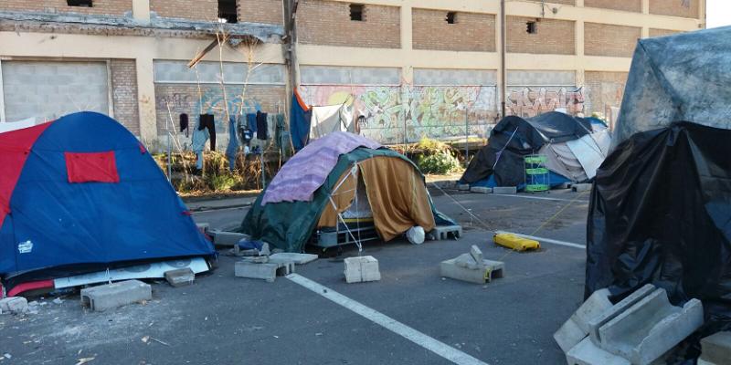 Roma, donna picchiata e violentata in tenda