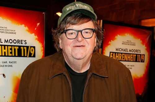 Michael Moore definisce Salvini un razzista.