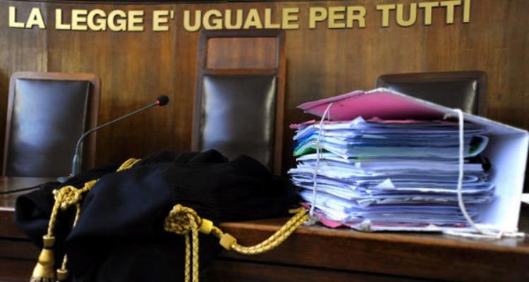 Napoli, vede il figlio 11 volte in un anno, il giudice lo sanziona