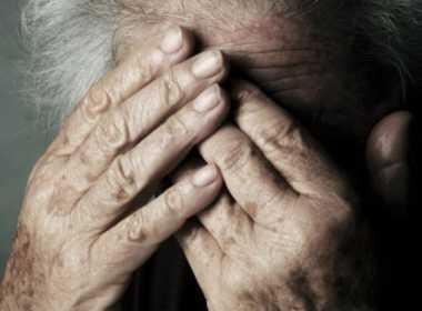 Portici, anziana maltrattata dal figlio lo denuncia