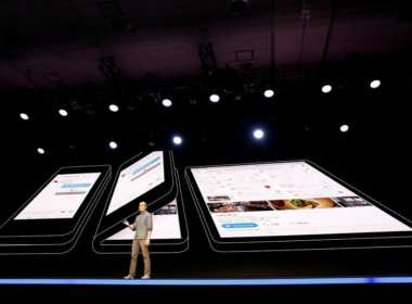 Samsung presenta lo smartphone pieghevole.