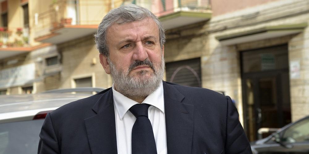 Michele Emiliano lascia il Partito Democratico.