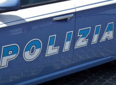 Milano, 32enne picchia la madre per soldi