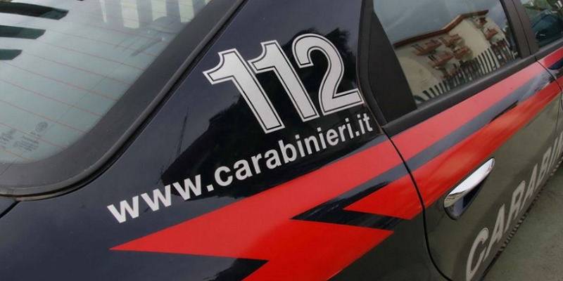 Milano, 36enne prende a pugni la madre