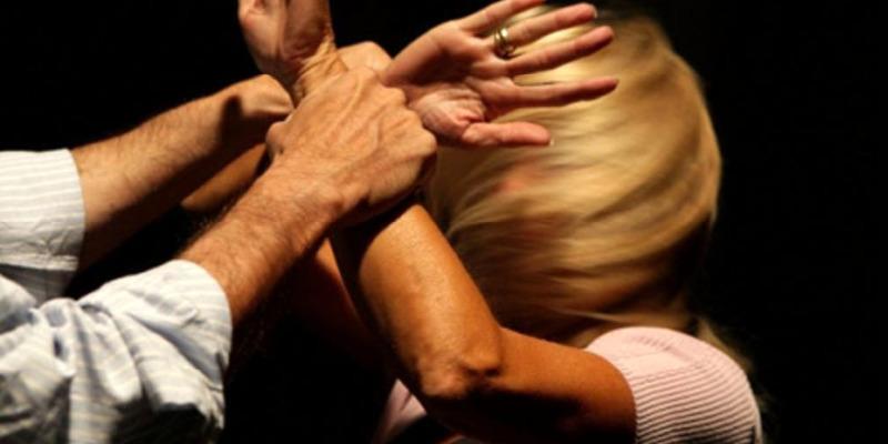 Napoli, donna denuncia il marito per maltrattamenti