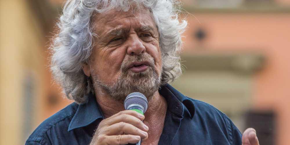 Beppe Grillo punzecchia gli abruzzesi.