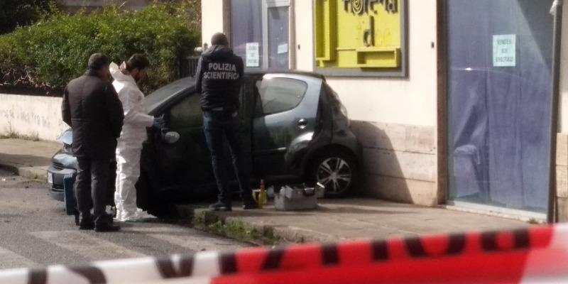 Reggio Calabria, tenta di uccidere la moglie