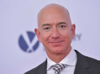 Jeff Bezos è l'uomo più ricco del mondo.